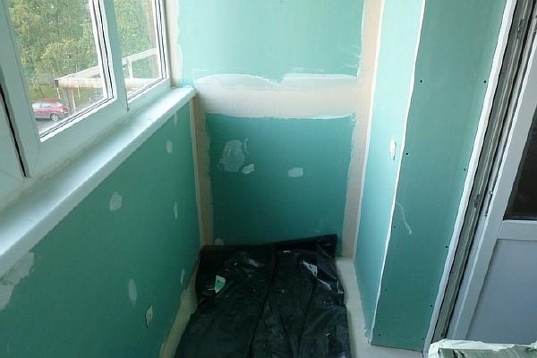 С чего начать ремонт балкона